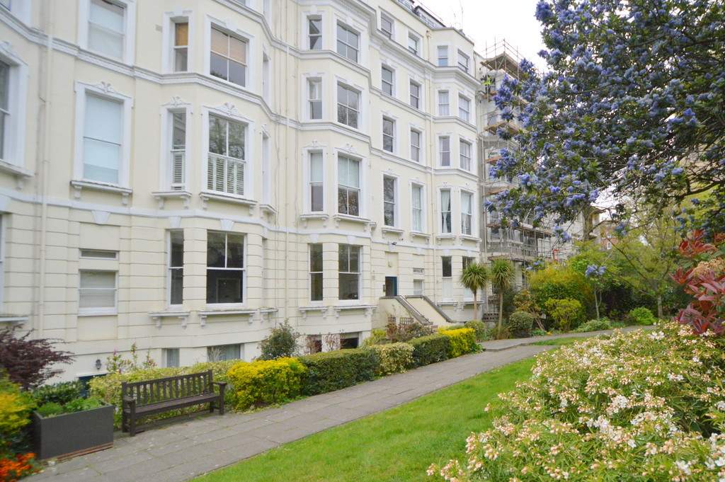 Pinehurst Court, Notting Hill, SW11 2BJ